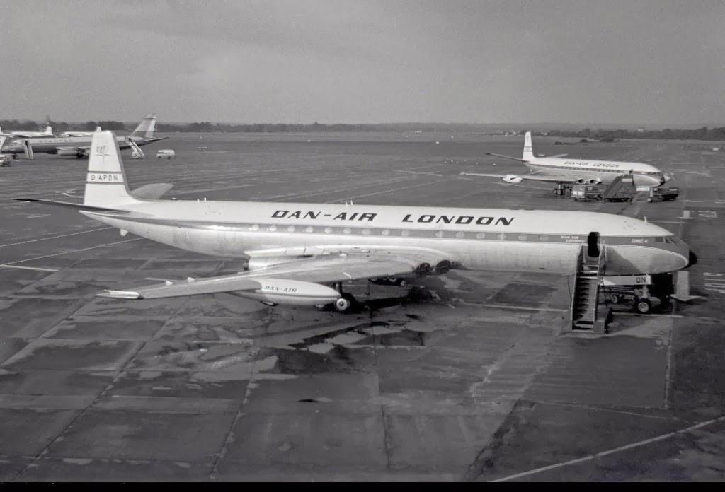 Dan Air London Comet 4 G-APDN 28-09-1968