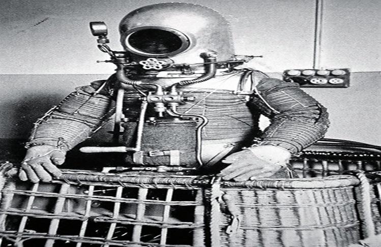 Pero Herrera predijo el futuro. El científico tenía muy claro que llegar a las capas superiores de la atmósfera era el paso previo a la conquista del espacio, y que el astronauta necesitaría un traje protector para salir de la cabina a hacer reparaciones de la nave o para caminar sobre el planeta de destino.