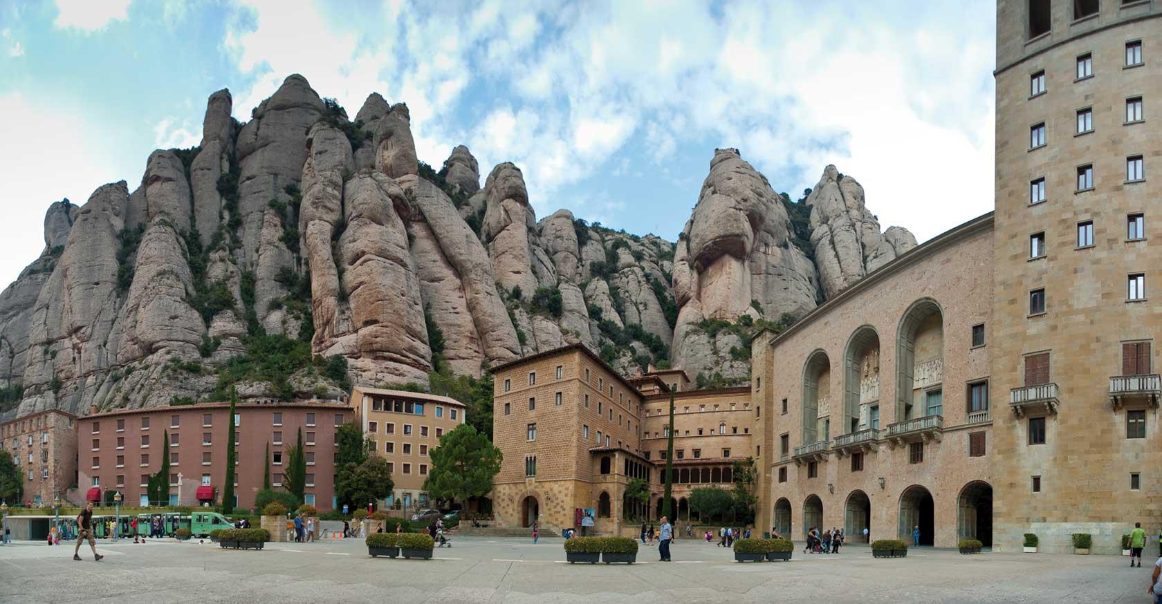 LLIBRE-VERMELL_02_Montserrat-monasterio-de_Foto_Alex-Williams