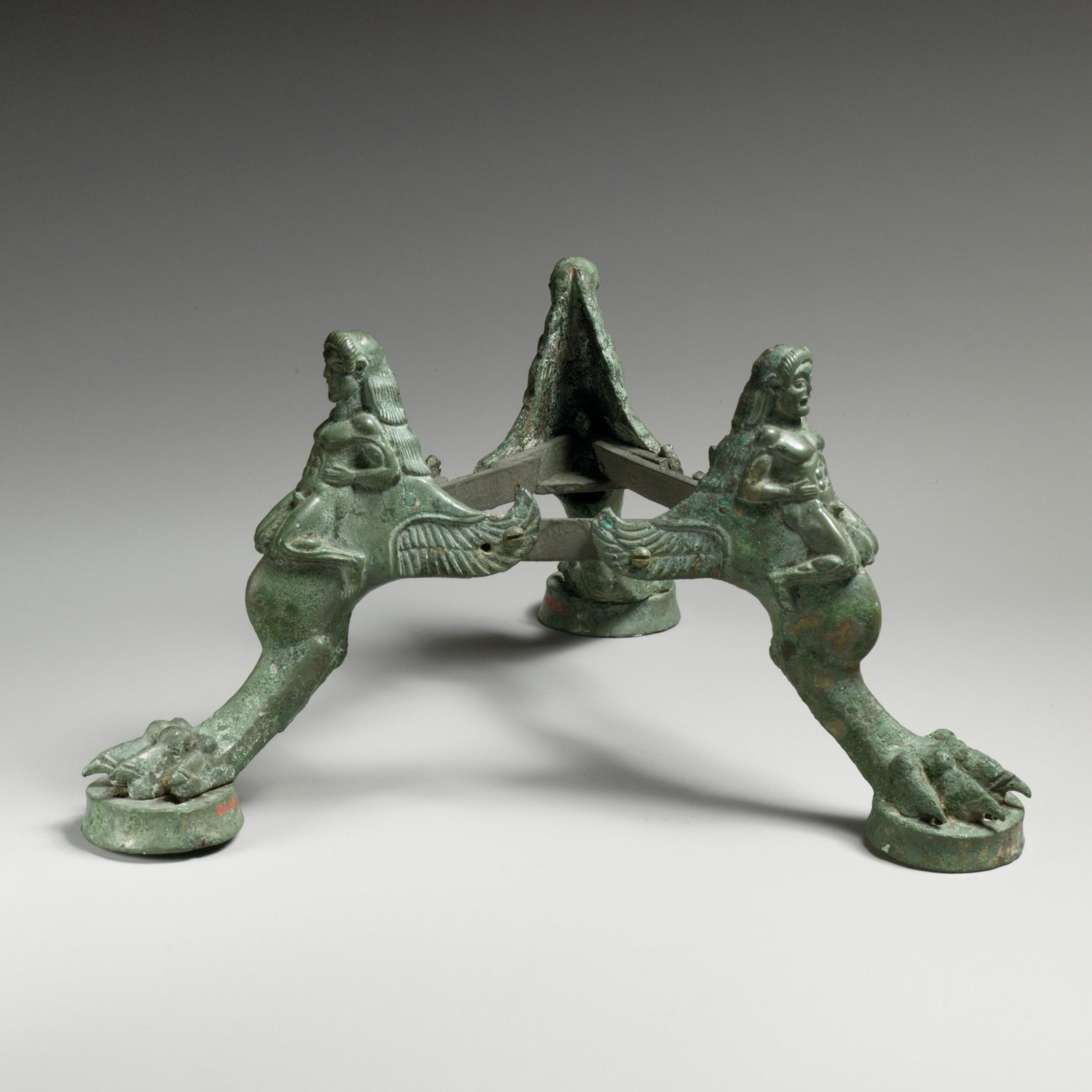 tripode de bronce base de un timiaterion